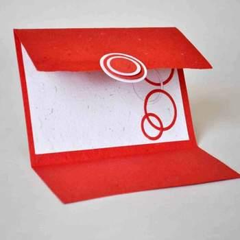 Convite de casamento vermelho.