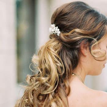 Cabelo de noiva semi  preso | Credits: Simply Sarah Photography