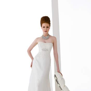 abito sposa di linea sirena in satin e tulle ricamato.