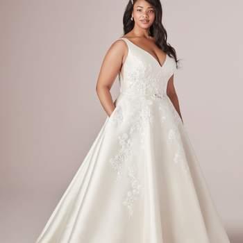 Modelo vestido Valerie Lynette da Rebecca Ingram