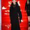 Combina tus vestidos con este abrigo negro y estarás estupenda en cualquier ocasión.