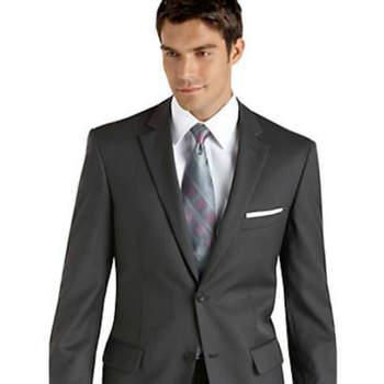 Para os noivos que procuram um fato clássico mas actual e muito elegante, aqui ficam algumas amostras. O seu estilo anda por aqui!