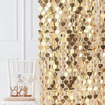 Cortina fondo corazón oro- Compra en The Wedding Shop