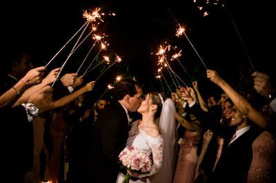 Casamento romântico de Jessyca & Renato: decoração clássica num cenário de sonhos!