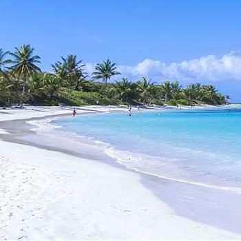 Praia Flamenco - Porto Rico Via: Pinterest