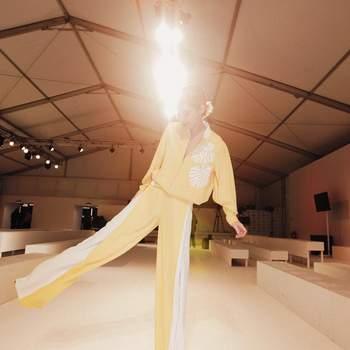 Raquel Strada vestida por Carlos Gil | Foto via Instagram