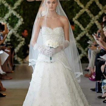 Robe de mariée Oscar de la Renta féminine et romantique. Photo : Oscar de la Renta