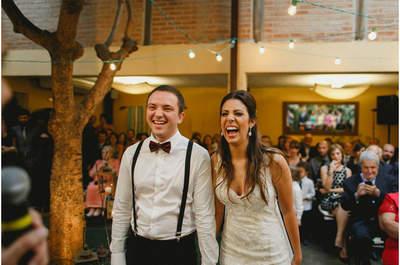 Casamento rústico LINDO de Beatriz & Bruno em tons de roxo, com luzinhas e orquídeas!