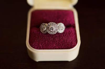 Una proposta decò per le spose amanti del vintage. Foto via fioridarancioevents.com