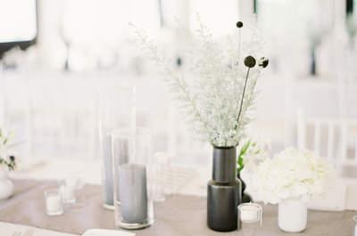 Few details but lots of style - Minimalist weddings are en trend