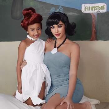 Kim Kardashia (Flintstones). Foto IG@kimkardashian