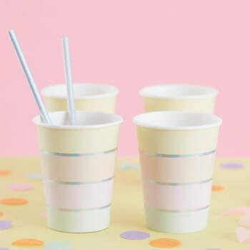 Vasos de cumpleaños en color pastel 8 unidades- Compra en The Wedding Shop