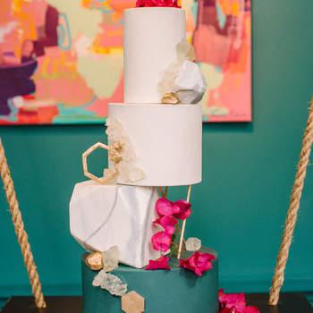 Inspiração para bolos de casamento originais que são verdadeiras obras de arte | Créditos: Krista Mason Photography