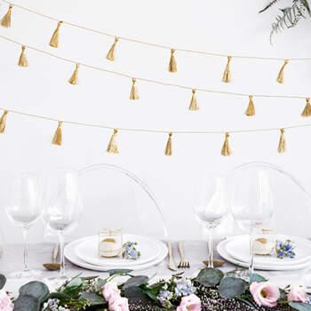 Guirnalda de borla dorada- Compra en The Wedding Shop
