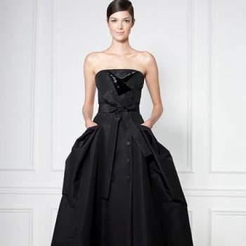 Os trajes da Carolina Herrera são sempre muito charmosos e elegantes. Veja os mais belos modelos de trajes para a noite da estilista e inspire-se para estar linda em qualquer ocasião!