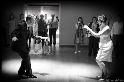 Los 5 minutos más temidos en una boda por los novios:  ¡El baile nupcial!