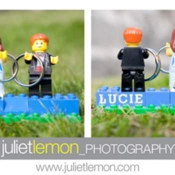 Divertenti questi cake topper fatti con i personaggi delle costruzioni Lego