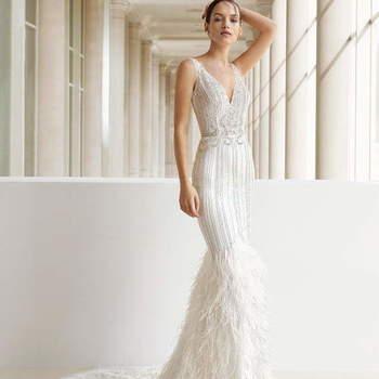 Daniela Sposa: modello a sirena sinuoso e vintage per una sposa sensuale  e chic.