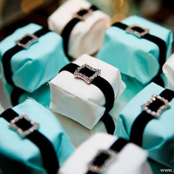 A embalagem de bem casado não precisa mais ser tradicional! Pode ser diversa e ter o estilo dos noivos! Inspire-se nesta galeria com os mais diferentes tipos do doce de casamento mais famoso!