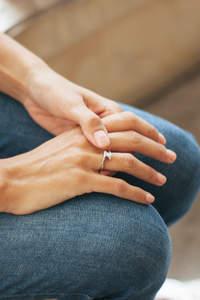 Cómo cuidar tus joyas de novia en verano