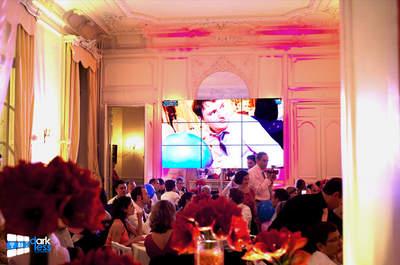 Darkless : photos et messages des invités de votre mariage en direct sur un écran géant le Jour J