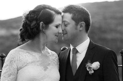 L'heureux mariage fleuri et coloré dans le Beaujolais de Cécile + Émilien