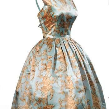 Robe bouffante taille haute, motif fleuri. Photo : Balenciaga