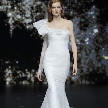 Pronovias. Credits: Valmont Barcelona Bridal Fashion Week
