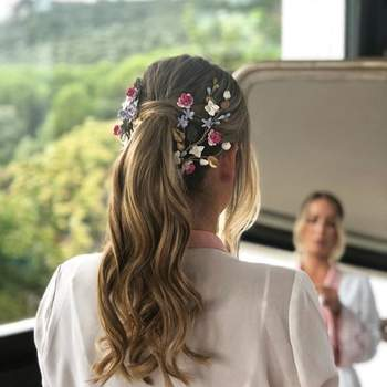 Penteado para noiva com rabo de cavalo alto | Foto: Sara Instyle