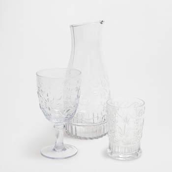 Conjunto de cristalería con serigrafía floral. Credits: Zara Home