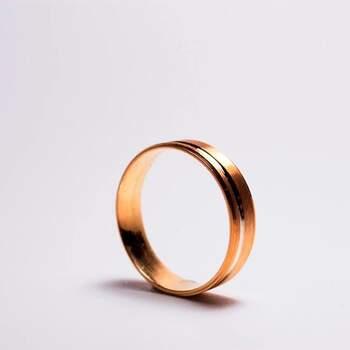 Bela&Mendonça - alianças em ouro rosa clássicas. Preços entre os 100€ e os 600€
