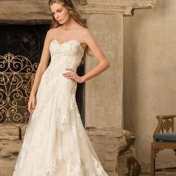 Style 2291 Everly. Credits: Casablanca Bridal