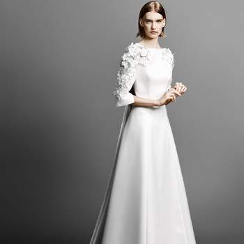 Credits: Flowe sleeve gown, Viktor and Rolf