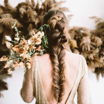 Penteado para noiva com trança espinha de peixe | Créditos: Alyssa McElheny Photography