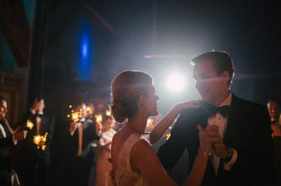 Wie finden Sie die richtige Unterhaltung für die Hochzeit? Live-Band, DJ, Solisten, oder...?
