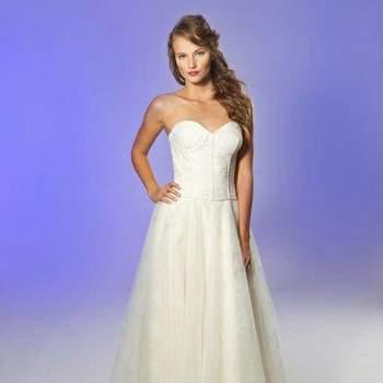 Os vestidos de noiva da coleção Outono 2013 de Junko Yoshioka são encantadores. Com os mais lindos modelos, inspire-se para encontrar o vestido que mais combina com você!