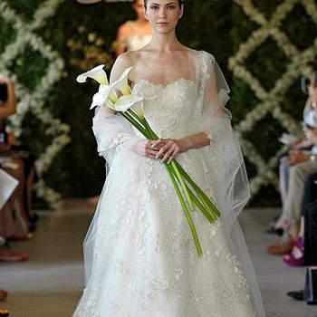 Volume et féminité caractérisent cette robe de mariée. Photo : Oscar de la Renta