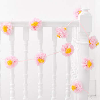 Guirnalda de flores de papel- Compra en The Wedding Shop