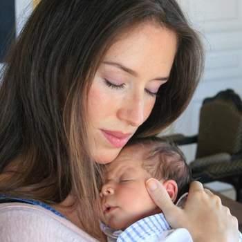 A atriz Júlia Berard foi mãe de Matias, a 27 de junho. O bebé é fruto da relação com Francisco Sérvulo Corria. Foto via Instagram Júlia Belard