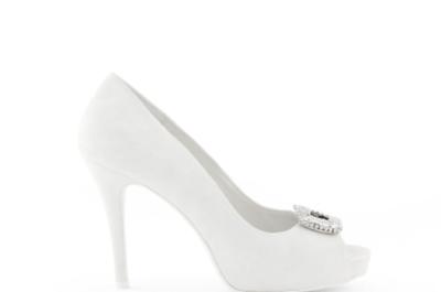 Zapatos para novia en color blanco Rosa Clará 2013