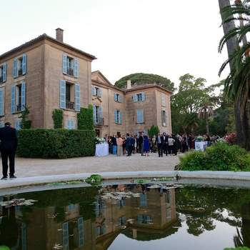 Photo : Château de Pampelonne - Son emplacement idylique fera, à coup sûr, rêver tous vos invités : prestance et élégance garanties !