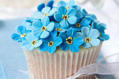 Cupcakes und Pralinen kunstvoll gestalten - MiniSchoggi bietet Ihnen kreative Ideen für einen süssen Start in den Junggesellinnen-Abschied