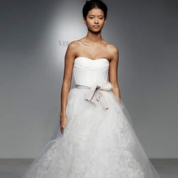 Vestido de noiva tomara que caia.
