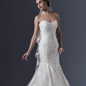 """Zeitlose Eleganz für die Braut von heute in diesem Brautkleid mit Meerjungfrauenschnitt. Glitzernder Tüll vollendet das Brautkleid ohne Träger, dessen Rock sanft bis auf den Boden fällt.   <a href=""""http://www.sotteroandmidgley.com/dress.aspx?style=5SS618"""" target=""""_blank"""">Sottero &amp; Midgley</a>"""