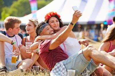 Unvergessliche Ferien mit dem Partner – Kosten Sie die Festivalsaison voll aus!