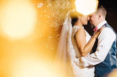 Casamento rústico de Aline & Vitor: toda a elegância da simplicidade em uma festa super ANIMADA!