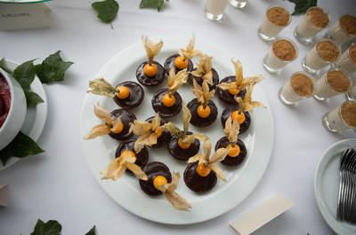 Pasabocas que no pueden faltar en tu boda: ¡Tus invitados los amarán!