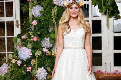 She Walks With Beauty: The Charming Amanda Wyatt 2017 Collection