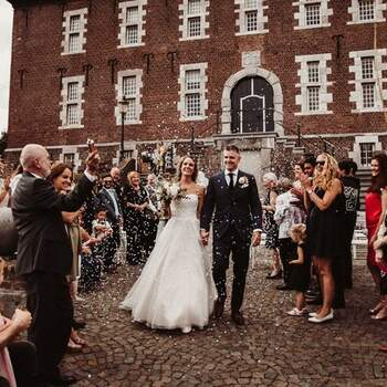 De real wedding van Patrick & Sandra met als thema rustic peach, gold & green! | Foto: Marischa´ s FotografieFoto: Marischa´ s Fotografie