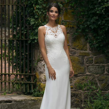 Modelo 44048, vestido de novia sin mangas con aplicaciones de encaje en el corpiño